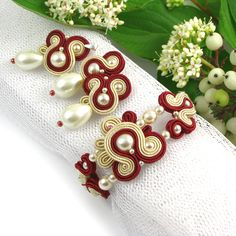 #bridalEarrings #bride #embroidery #pearls #ecru #cream #golden #set #wedding www.pillowdesign.pl