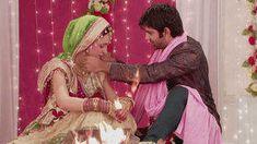 Watch Iss Pyar Ko Kya Naam Doon latest & full episodes on Hotstar - the one stop destination for popular StarPlus Hindi Romance serials. Watch Episodes Online, Episode Online, Full Episodes, Arnav Singh Raizada, Indian Drama, Opposites Attract, Simple Girl, Tv Shows Online, Kos