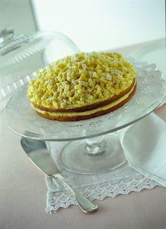Una torta famosissima, morbida e profumata come un fiore: prova la ricetta della torta mimosa su Sale&Pepe, stupirai chiunque!