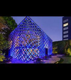 Tori-Tori, un bâtiment imaginé et conçu par l'architecte Michel Rojkind et studio de design Esrawe