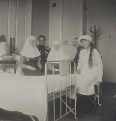Grand Duchesses Olga,Tatiana and Anastasia Nikolaevna Romanova of Russia in 1915 at Tsarskoe Selo Infirmary.A♥W