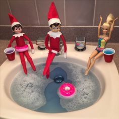 Elf on the shelf hot tubbin' with Barbie #elfontheshelf #elfontheshelfideas