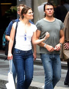 Swedish crown princess Victoria and fitness trainer Daniel Westling. In 2004 they had been dating for two years. Princess Victoria Of Sweden, Crown Princess Victoria, Princesa Victoria, Swedish Traditions, Swedish Royalty, Victoria Fashion, British Royal Families, Princess Madeleine, Princess Style