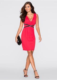 Rochie O rochie fermecătoare care se • 119.9 lei • bonprix