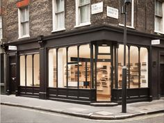 Creative Aesop, Soho, Facade, Hipshops, and London image ideas & inspiration on Designspiration Shop Interior Design, Retail Design, Store Design, Exterior Design, Black Exterior, Shop Front Design, Aesop Shop, Landscaping, Arquitetura