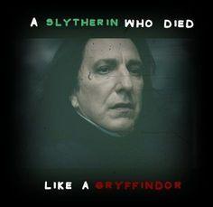 Snape: A Slytherin who died like a Gryffindor Harry Potter Triste, Harry Potter Sad, Harry Potter Pictures, Always Harry Potter, Harry Potter Deathly Hallows, Hogwarts, Saga, Severus Rogue, No Muggles
