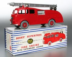 DINKY #955 Commer fire engine