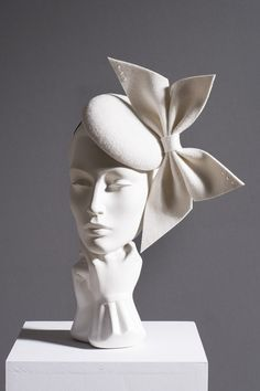 The William Chambers Millinery Autumn Winter 2018 collection celebrates the work of Glasgow designer and architect Charles Rennie Mackintosh and the Glasgow Style. Fascinator Headband, Headpiece, Headdress, Facinator Hats, Fascinators, Run For The Roses, Bridal Bands, Unicorn And Glitter, Carnival