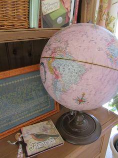 Loving the pink globe Globe Decor, Globe Art, Map Globe, Vintage Globe, Vintage Maps, Vintage Pink, Kate Blog, Boutique Vintage, Lizzie Kate