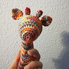 In love with the warm colours, even before he has his eyes. Crochet Animals, Crochet Hats, Warm Colours, Giraffe, Great Gifts, Eyes, Cute, Crocheted Animals, Knitting Hats