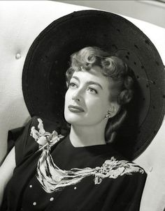 Joan Crawford, at the end of her time with MGM The Effective Pictures We Offer You About Actresses bollywood Old Hollywood Stars, Old Hollywood Glamour, Golden Age Of Hollywood, Vintage Hollywood, Classic Hollywood, George Hurrell, Joan Crawford, Laura Lee, Divas