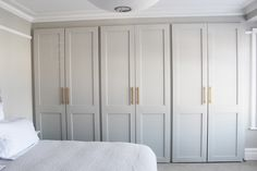 Bedroom wardrobe - 52 Trendy Bath Room Organization Ideas His And Hers bath Bedroom Built In Wardrobe, Bedroom Built Ins, Bedroom Closet Doors, Wardrobe Doors, Bedroom Cupboards, Bedroom Storage, Home Bedroom, Bedroom Decor, Wardrobe Closet