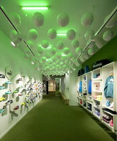 Experiential Football Boutiques : Hat Trick Store