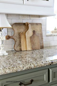Modern french country kitchen decorating ideas (39)
