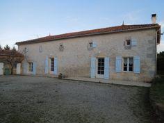 PRESTIGIOUS 16th CENTURY MANOR HOUSE WITH VINEYARD.  €445,200/£361,636