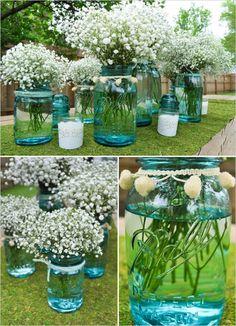 marmeladengläser schleierkraut blumenstrauß blaue gläser
