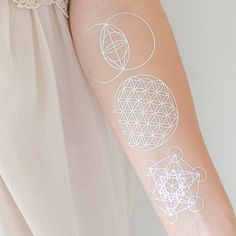 Sacred Geometry Collection Silver (temporary tattoos from Danielle LaPorte) - so so drawn to the Flower of Life, the centre one Life Tattoos, New Tattoos, Tattoos For Guys, Temporary Tattoos, Space Tattoos, Tatoos, Sacred Geometry Symbols, Sacred Geometry Tattoo, Flower Of Life Tattoo
