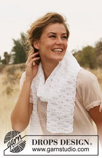 "Knitted DROPS scarf with lace pattern in ""Bomull-Lin"". ~ DROPS Design"