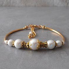 Pulsera de perlas blanca en oro brazalete de novia perla