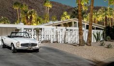 Palm Springs au clair de lune, immortalisée par Tom Blachford Palm Springs, Modern Houses, Mid-century Modern, Modern Interior, Interior And Exterior, Outdoor Spaces, Indoor Outdoor, Screen Design, Concrete Wall