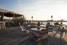 The Surf Lodge hotel in montauk, New York More than a surfer's place, a party scene Montauk New York, Hotel World, Fire Island, Long Island, Surf Lodge, Shelter Island, Go To New York, Surf Shack, Resort Style