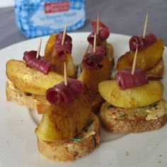 15 appetizers very easy to do for the New Year! Junk Food, Apple Bite, Brunch, Snacks, Caramel Apples, Food Grade, Toast, Food And Drink, Appetizers
