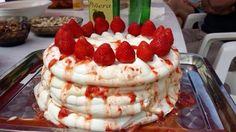 Piérdele miedo al merengue y prepara una irresistible pavlova de fresas