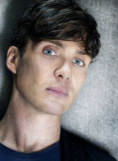 Find images and videos about eyes, cillian murphy and peaky blinders on We Heart It - the app to get lost in what you love. Peaky Blinders Tommy Shelby, Peaky Blinders Thomas, Cillian Murphy Peaky Blinders, Irish Boys, Irish Men, Traje Peaky Blinders, Estilo Gangster, Raining Men, Tom Hardy