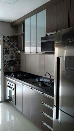 Decoração de apartamento pequeno , dicas de como decorar apartamentos pequenos,decorar sala pequena , decorar cozinha pequena ,decorar quarto pequeno. #decoraçãodeapartamentopequeno #quartopequeno #salapequena #cozinhapequena #quartotumblr Kitchen Modular, Modern Kitchen Cabinets, Kitchen Furniture, Home Furniture, Kitchen Decor, Bathroom Design Luxury, Interior Design Kitchen, Best Kitchen Designs, Home Design Plans