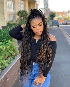Terrific No Cost Box braids with curls Tips Certainly, at one time not too way back when, whenever a specialist African-American woman will not Black Hair Hairstyles, Box Braids Hairstyles For Black Women, African Braids Hairstyles, Braids For Black Hair, Girl Hairstyles, Braid Hairstyles, Protective Hairstyles, Wedding Hairstyles, Everyday Hairstyles