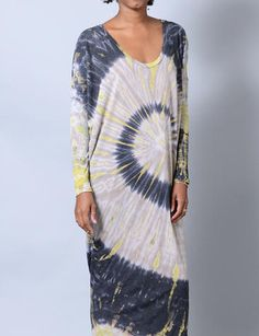 long sleeve tie dye dress....reminds me of painting cloth long ago....