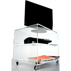 Carrello porta TV 60x39 h:45 in plexiglass trasparente. Prezzo 370€ #plexiglass #alzata #plasma #tv #monitor #design #trasparente #designtrasparente #shopping #online