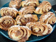 Coffee Latte, Coffee Shop, Finland Food, Italian Coffee, Coffee Break, Deli, Doughnut, Italian Recipes, Sweet Recipes
