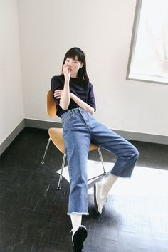 The New Style: fashion, outfits and trends for 2019 Denim Fashion, Look Fashion, Girl Fashion, Fashion Outfits, Womens Fashion, Mon Jeans, Denim Jeans, Socks Outfit, Mode Cool