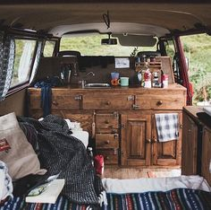 Photo by @ifyoudrift #projectvanlife