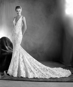 Wedding Dress // Atelier Pronovias 2017 // Wedding Dress 2017 // Bridal Look…