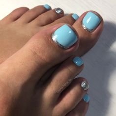 Nail designs for toes: what can be cuter? Today there is a huge number of adorable toe nail designs, and every fashionista can find the ideal design to her taste and for any occasion. Blue Toe Nails, Pretty Toe Nails, Toe Nail Color, Summer Toe Nails, Toe Nail Art, Nail Colors, Beach Toe Nails, Blue Toes, Summer Pedicures