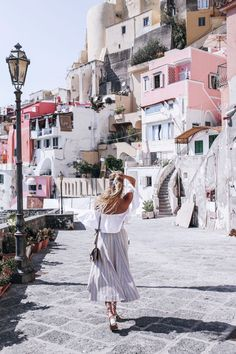 Procida dreaming: http://www.ohhcouture.com/2016/08/procida-dreaming-procdida-italy/ | Chloé sandals, small Faye bag #ohhcouture #leoniehanne #Traveling