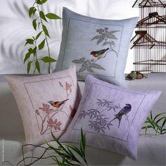 Assorted birds.
