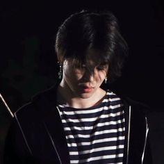 Busan, Jimin Black Hair, Jimin Pictures, Hair Icon, Foto Jimin, Bts Korea, Cute Gay, Yoonmin, Bts Boys