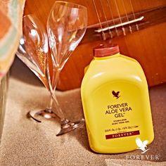 VEGAN   FOREVER Aloe Vera Gel™ Das ORIGINAL!  Der Name fürs Wohlfühlen. Der Drink aus reinem Aloe-Vera-Gel mit einem fruchtig frischen Hauch von Limone – Power kompakt für den gesamten Körper. Behutsam aus dem Blattmark der Aloe-Vera-Pflanze herausgelöst, gelangen die wertvollen Vital- und Nährstoffe direkt in Ihr Glas.  Hier bekommst Du das Gel:  https://www.be-forever.de/peterhartig/product_info.aspx?artikelID=400  Du möchtest die Produkte günstiger? Infos unter Lifebalance-Team@o2mail.de
