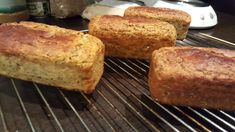 Keto Bread, No Bake Cookies, Low Carb Keto, Crackers, Banana Bread, Keto Recipes, Food And Drink, Gluten Free, Lunch