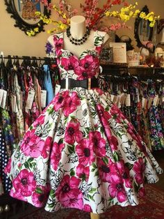 33834e0bdb2d Carnival Wedding, Belle Dress, Made Clothing, Vintage Clothing, Going Out  Outfits,