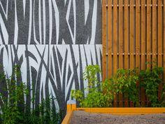 http://www.graphicconcrete.com/en/references/vantaan-kurjenmiekka-ja-lipstikka-housing/