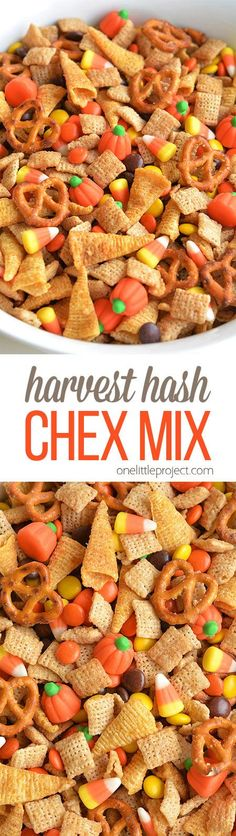 This Halloween harvest hash Chex mix is the PERFECT combination of sweet and salty. It tastes soooo good! It would be awesome for a Halloween party or even Thanksgiving! This harvest hash chex mix is the PERFECT combination of sweet, salty and crunchy! Halloween Party Snacks, Hallowen Food, Snacks Für Party, Halloween Cupcakes, Halloween Hash, Halloween Recipe, Party Appetizers, Halloween Check Mix, Halloween Candy