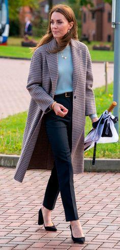 Kate Middleton Outfits, Kate Middleton Stil, Estilo Kate Middleton, Color Militar, Tweed, Herzogin Von Cambridge, Princess Katherine, The Duchess, Cozy Fall Outfits