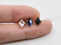 NEW ‣ Sparkly Diamond Conch Piercing, Cartilage Earring, Conch Earring, Diamond Piercing, Helix Earring Tragus Stud, Cartilage Earrings, Conch Earring, Labret Studs, Piercings, Cute Earrings, Body Jewelry, Diamond Cuts, Jewels