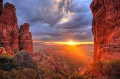 If You're Dying To Get Off The Grid: Sedona, Arizona Long lauded as a warm weather retreat, Sedona is actually stunning in winter, when the rusty red sandstone formations get a graceful dusting of snow. Skip the early morning hot air balloon ride and opt for a sunrise hike through the red rocks before hitting a boutique spa and lunch at unassuming pizzeria Picazzo's. ...