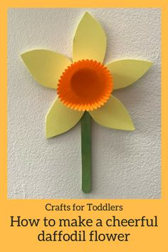 Kids Crafts: How to make a cheery Daffodil flower - HodgePodgeDays - Crafts for kids - Kids Crafts: How to make a cheery Daffodil flower With the first signs of spring slowly making an a - Daffodil Craft, Daffodil Flower, Daffodil Tattoo, Creative Crafts, Fun Crafts, Paper Crafts, Spring Crafts For Kids, Crafts For Kids To Make, Garden Crafts For Kids