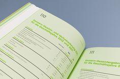 Energie Steiermark Annual Report 2012 - Publishing by moodley brand identity, via Behance Graphic Design Resume, Brochure Design, Annual Report Design, Poster Art, Newspaper Design, Information Design, Web Design Trends, Data Visualization, Magazine Design